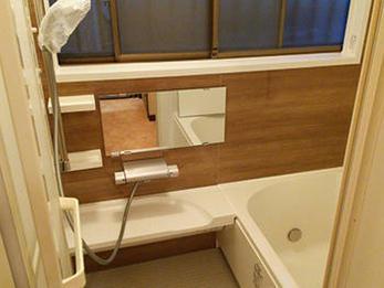 昔ながらのタイル風呂が、明るく清潔なユニットバスに生まれ変わり、とても快適になりました!